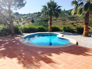 Villa Rosa con piscina privada, Cómpeta