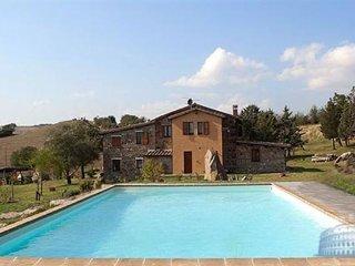 Villa in Tuscany : Siena / S. Gimignano Area La Stella, Radicofani