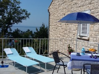 Sunset - seafront apartment, Omis