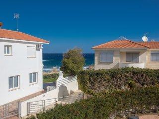 Sirena Bay Sea View Apartment