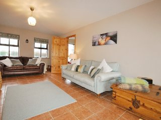 Railway Cottage - Home away from home, Dingle