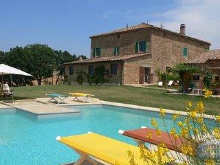 Villa in Tuscany : Siena / S. Gimignano Area Villa Don Giovanni, Monticchiello
