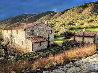 Villa in Umbria : Perugia Area Villa Penelope - 12 Guests