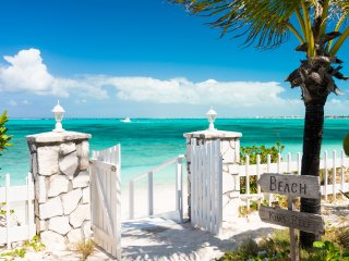 Reef Beach House on Grace Bay Beach, Providenciales
