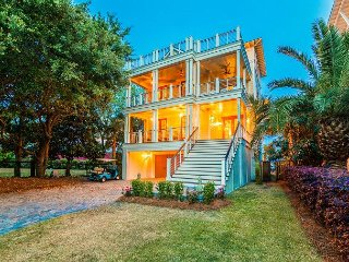 Beautiful home with views of intracoastal waterway and ocean., Isle of Palms