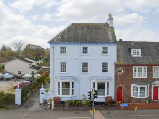 Well-situated holiday home | Regent House, Starcross, near Dawlish