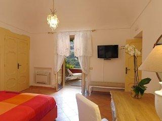 Positano center Appartamento Romeo A, sea view, private terrace, sleeps 4
