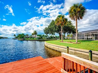 Waterfront Home with Pool and 2-Man Kayak, Apollo Beach