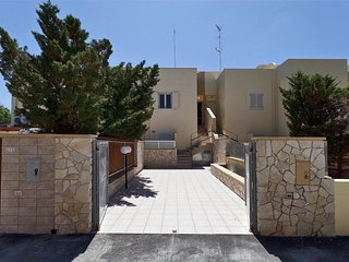 182 House at 100m from the Beach in Torre Mozza