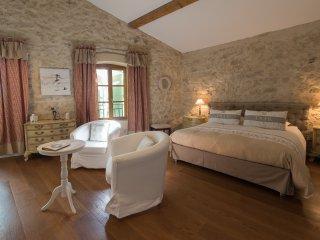 Suite Romance, Ouveillan