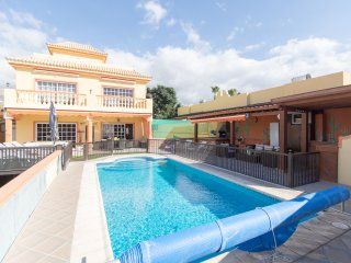 EC82215| Amazing 5/7 Bedroom Villa. Private Heated Pool. Callao Salvaje.