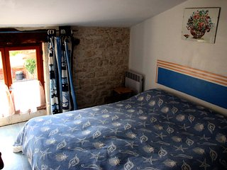 3 bedroom cottage with pool, Saint-Just-Luzac