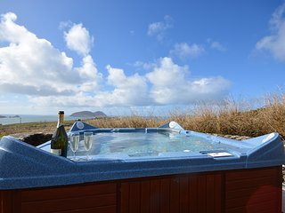 The Atlantic View - Jacuzzi with views!