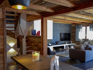 LE CHALET DES CIMES Contemporary Mountain Style