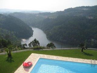 Quinta das Tilias Douro Valley / Free WiFi / The Paradise in Douro, Cinfães