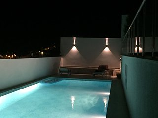 GREAT HOLİDAY VİLLA WİTH PRİVATE POOL & GARDEN AND SEA VİEW, Cesme