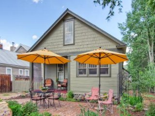 Quaint Cottage Style Home with Ample Room (201091)