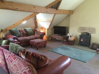 Lovely large character apartment (sleeps 7) with fantastic views of Ingleborough