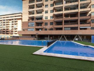 FURNISHED APARTMENT 3 BEDROOMS FOR RENT IN VALENCIA BEACH