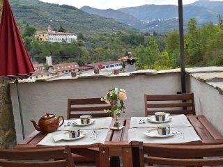Idyllisches Natursteinhaus (Rustico) mit tollem Blick in die Berge, Borgomaro