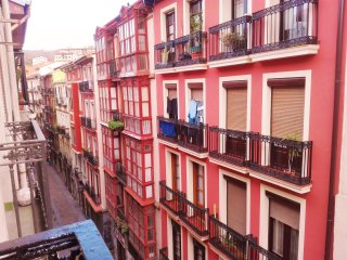 Apartamento en el Casco Viejo. Wi-Fi IBI279