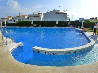 Casa Hansson - Holiday Townhouse - Pool - Beach - WIFI - Air Con - R1160