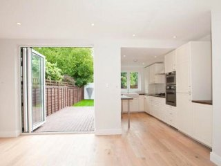 4 Bedroom London Home, Chiswick, Kew
