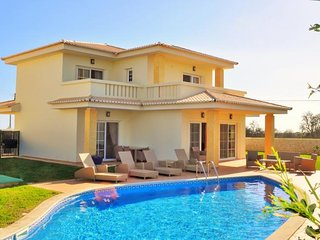 Colina 1 - private Lagos villa with own pool