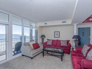 Ocean Blue ResortLuxury  Oceanfront 5 Bedroom Condo with a Balcony, Pool, Hot Tub