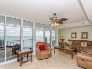 Luxury 5 Bedroom Oceanfront Condo at the Ocean Blue Resort