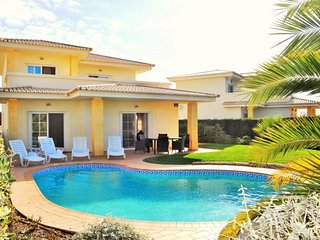 Colina 2 - luxurious detached villa with own pool