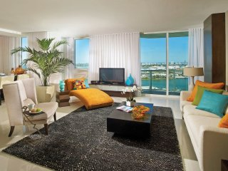 Amazing Apt 2 bedrs 2.5 bths Ocean Views free parking wifi Bayfrontpark AAA Dwnt