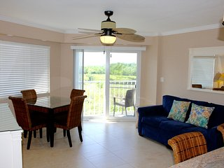 Right on the ocean, 2BR+2BA for 12, pool, tennis courts, restaurant. marina