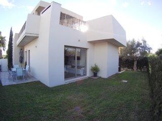 Jacuzzi villa Alcudia Beach in quiet area