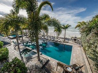 Ocean Villa Mansion - 8 Bedrooms - Beachfront - Resort Style Pool