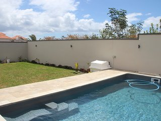 NEW VILLA, 6 bedrms, 4 toilts,4 bathrms, 2 lvng rms, 2 kitchens,terrace,pool+CAR