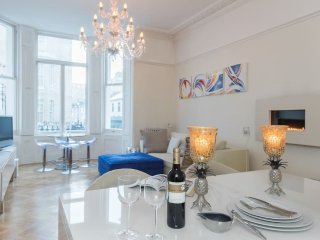 Luxury 2-bed South Ken apartment