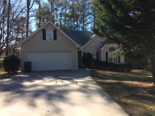 Relaxing Atlanta Metro Area Home, Conyers