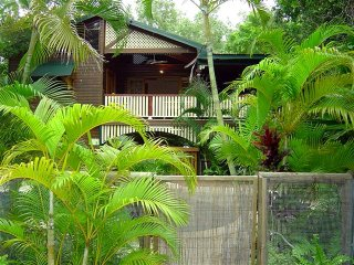 Appian Beach House - Arcadia, QLD