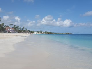 Paradise beach condo footsteps to the best beach in Antigua