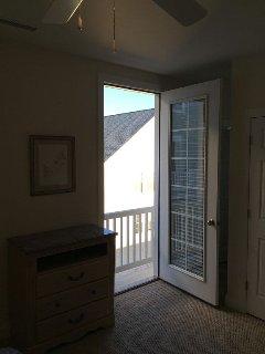#1 Bedroom, Master, standing balcon