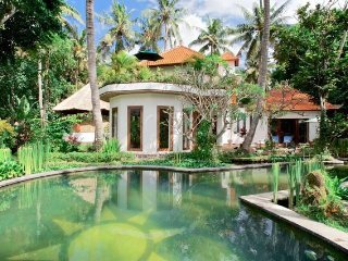 Surya and Chandra Bali Resort Fully Catered Pax 9