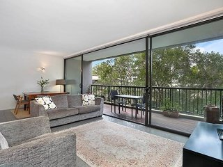 Stylish Executive Style In Heart of Surry Hills ADEL1