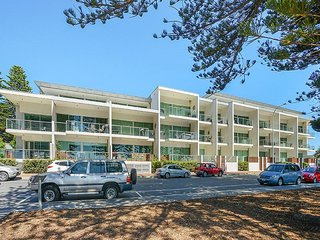 Unwind * 'Breeze' Beachfront Apartment no 10 - Victor Harbor