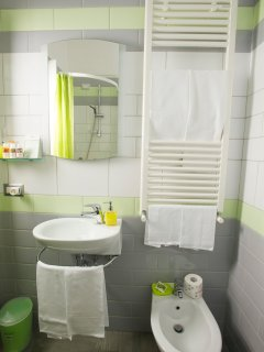 Green double bathroom.