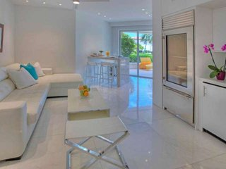 ASK FOR DISCOUTNS - Luxurious Ocean View Suite at Fisher Island with Golf Cart