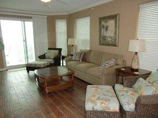 Beautiful 3 bedroom / 3 bath condo with Gulf views!