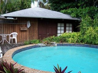 Quaint Coconut Grove Studio with Pool - Minutes from UM, Downtown & South Beach!
