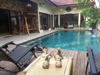 Beautiful Villa in Batam with Private Pool, 3 Bed Rooms,  Koi Pond & A Hut, Sekupang
