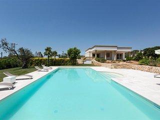275 Villa with Pool in Parabita Gallipoli